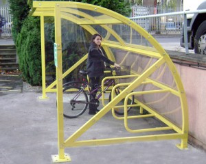 Alpha Tep iR8 Cycle Shelter